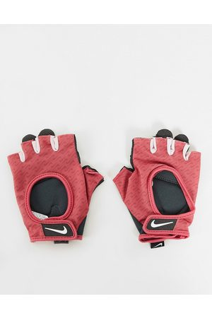 Nike Women Sports Accessories - Ultimate womens patterned fitness gloves in