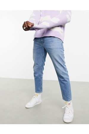 ASOS Men Straight - Classic rigid jeans in 'less thirsty' wash in light