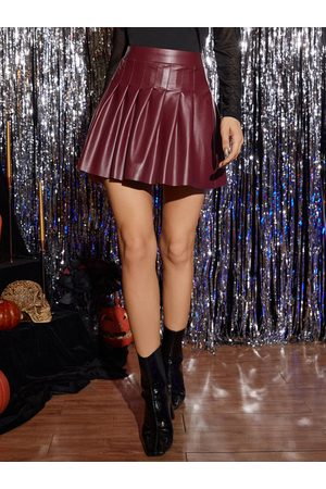 Yoins Sexy Pleated Faux Leather Mini Skirt