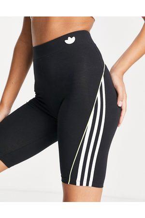 adidas Legging shorts in with three stripes