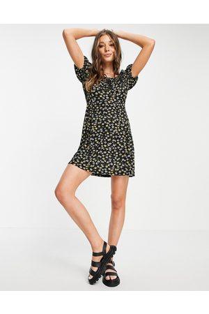 JDY Women Printed Dresses - Milk maid mini dress in black daisy print-Multi