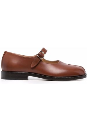 Maison Margiela Tabi buckle fastening court shoe