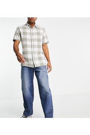 Reclaimed Vintage Inspired 90's baggy jean in mid