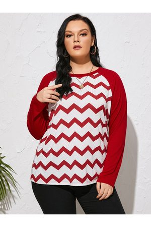 Yoins Plus Size Round Neck Wave Patchwork Design Long Sleeves Tee