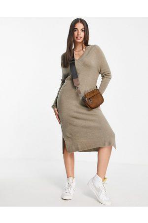 Vila Knitted midi dress with v neck in mushroom-Neutral