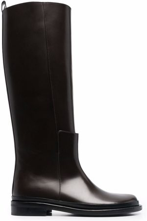 Low Classic Round-toe leather boots