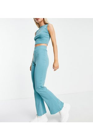 Missguided Ribbed racer vest and flare set in teal