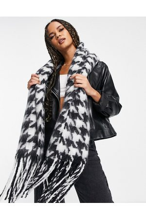 ASOS Long fluffy blown up houndstooth check scarf in mono-Multi