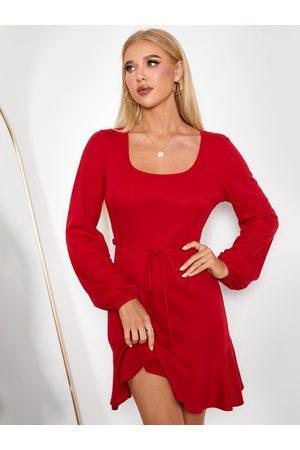 YOINS Belt Design Ruffle Hem Scoop Neck Long Sleeves Mini Dress