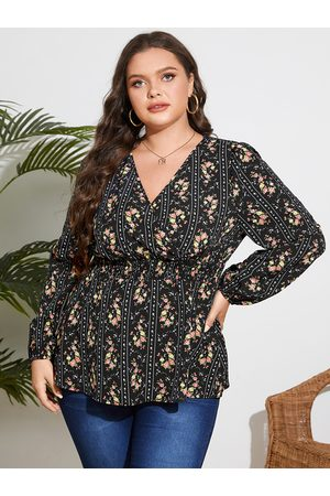 YOINS Plus Size V-neck Striped Shirring Crossed Front Design Blouse