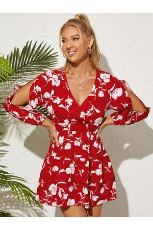 YOINS Floral Print Side Slit Long Sleeves V-neck Mini Dress