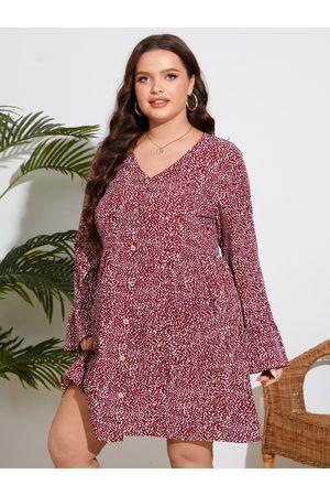 YOINS Plus Size V-neck Polka Dot Button Design Pocket Dress