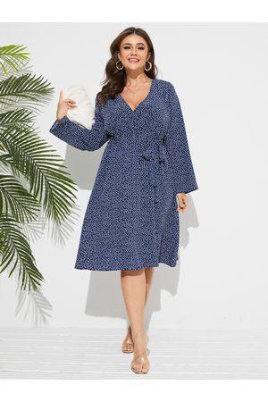 YOINS Plus Size V-neck Heart Crossed Front Dress
