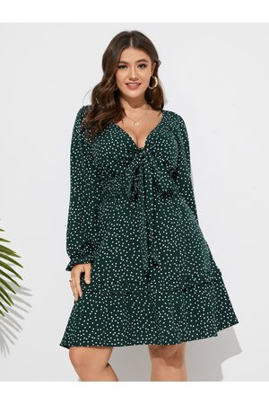 YOINS Plus Size Deep V Neck Polka Dot Knotted Lettuce-Edge Dress
