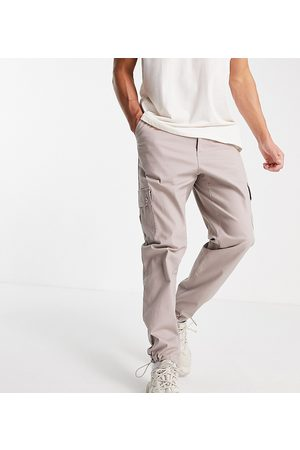 ASOS Tapered cargo trousers in brown-Neutral
