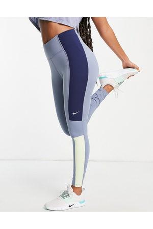 Nike One Colourblock leggings in