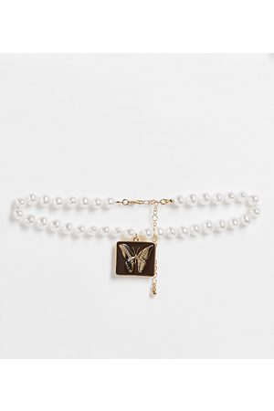 Reclaimed Women Necklaces - Inspired short necklace with enamel butterfly pendant in faux pearl and