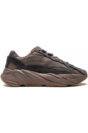 """adidas YEEZY Boost 700 V2 """"Mauve"""" sneakers"""