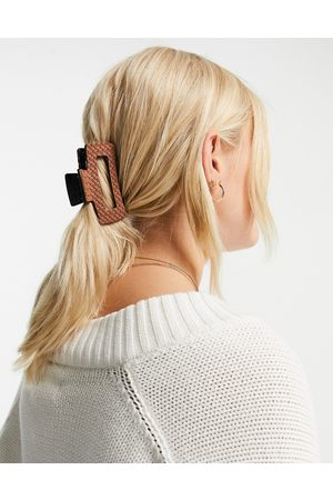 My Accessories London woven hair claw clip in