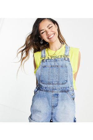Reclaimed Inspired short dungaree in mid wash