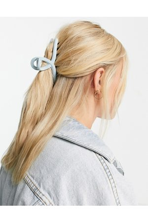 My Accessories London matte loop hair claw clip in
