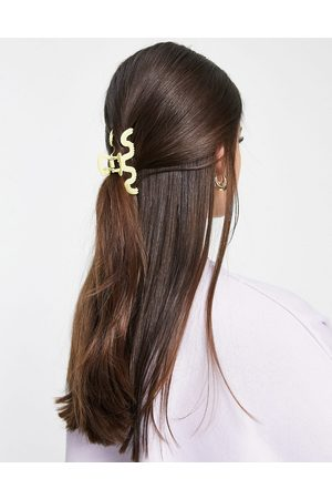 My Accessories London matte swirl hair claw clip in lime