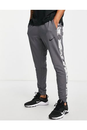Nike Camo print tapered jogger in