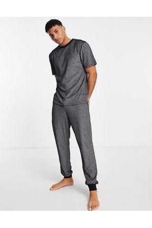 River Island Men Loungewear - Monogrammed velour loungewear set in