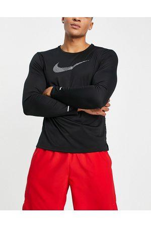 Nike Run Division Miler Flash long sleeve t-shirt in
