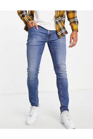 JACK & JONES Intelligence Pete carrot fit jeans in light wash