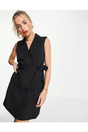 In The Style X Billie Faiers sleeveless tuxedo dress with belt in