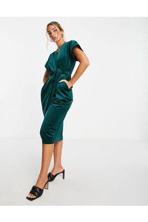 closet london Kimono sleeve velvet midi dress with wrap tie in emerald