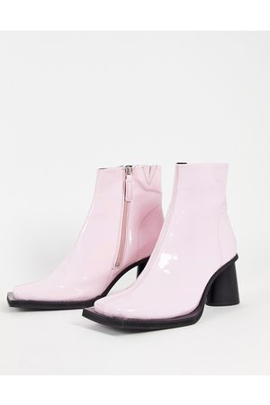 ASOS Men Boots - Heeled chelsea boot in patent faux leather with contrast sole
