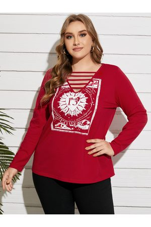 YOINS Plus Size V-neck Graphic Cut Out Long Sleeves Tee