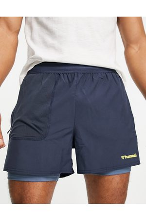 Hummel Furgus 2 in 1 shorts in