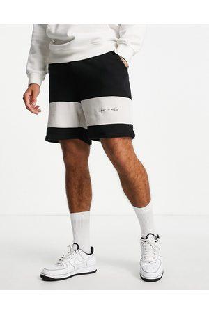 Liquor N Poker Hockey club shorts in