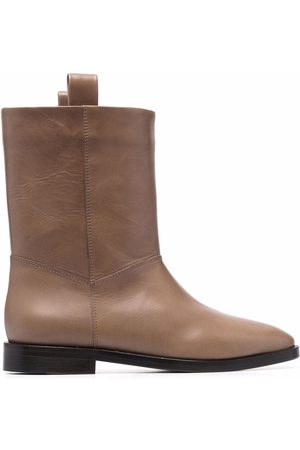 Closed Wide leather ankle boots