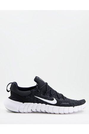 Nike Free Run 5.0 trainers in