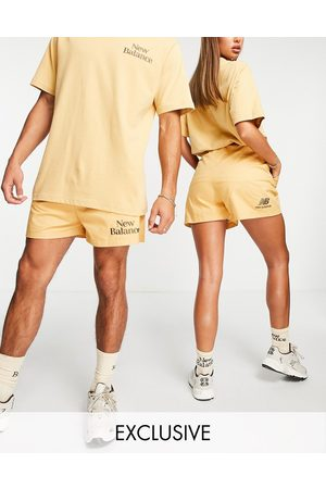 New Balance Cookie shorts in tan-Neutral