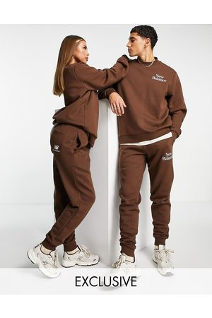 New Balance Cookie joggers in and beige