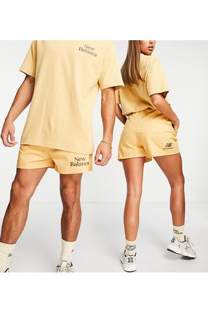 New Balance Cookie shorts in tan