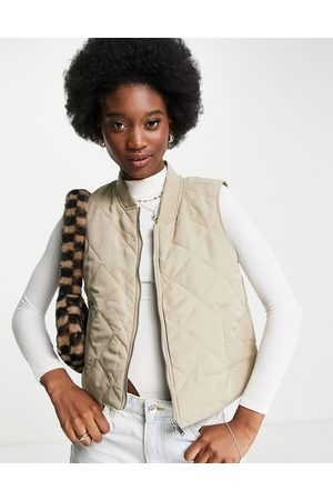 JDY Collar detail quilted gilet in stone-Neutral