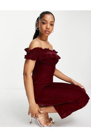 HOPE & IVY Bardot velvet midi dress in burgundy
